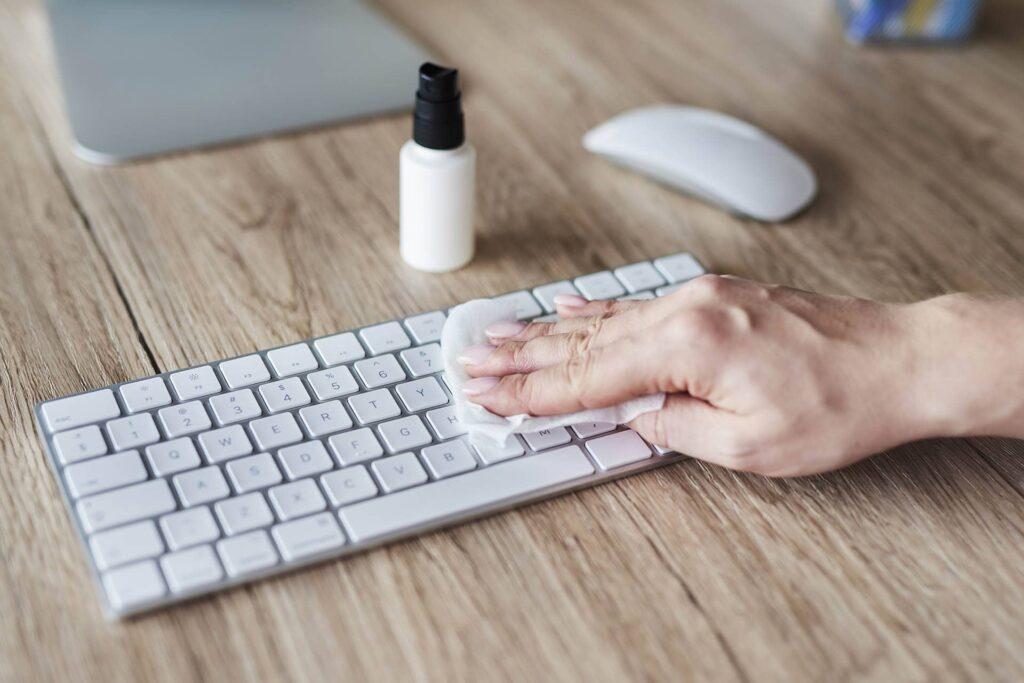 limpieza teclado ordenador